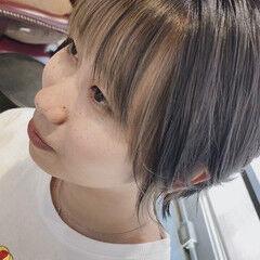 ショートヘア 前髪インナーカラー ショート イヤリングカラー ヘアスタイルや髪型の写真・画像