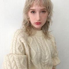 ウルフ ナチュラル ウルフパーマ セミロング ヘアスタイルや髪型の写真・画像