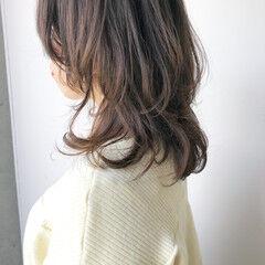 フェミニン ミディアム ウルフカット ウルフパーマ ヘアスタイルや髪型の写真・画像