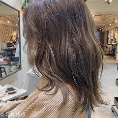 ナチュラル 透明感カラー ブルージュ ミディアム ヘアスタイルや髪型の写真・画像
