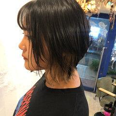 ウルフカット ショート シルバーグレージュ ナチュラル ヘアスタイルや髪型の写真・画像