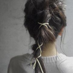 ミディアム 前髪パッツン ポニーテールアレンジ 編みおろしヘア ヘアスタイルや髪型の写真・画像
