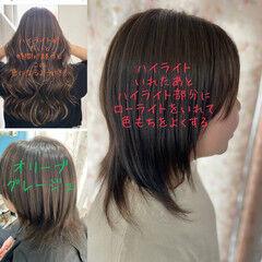 3Dハイライト ネオウルフ ローライト オリーブグレージュ ヘアスタイルや髪型の写真・画像