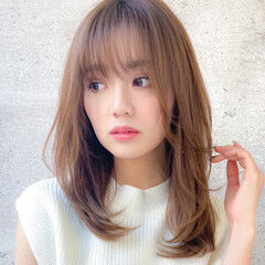 ミディアムレイヤー レイヤーカット 鎖骨ミディアム コンサバ ヘアスタイルや髪型の写真・画像