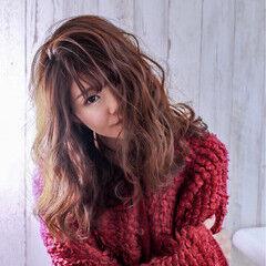 ニット ミディアム フェミニン 冬 ヘアスタイルや髪型の写真・画像