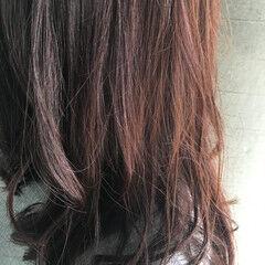 リラックス 大人かわいい セミロング 前髪あり ヘアスタイルや髪型の写真・画像