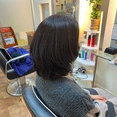 ナチュラル 大人ミディアム ゆるふわパーマ デジタルパーマ ヘアスタイルや髪型の写真・画像