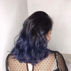 ハイライト グラデーションカラー ビビッドカラー 青紫 ヘアスタイルや髪型の写真・画像