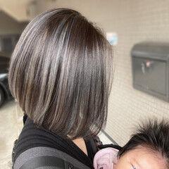 グレージュ ストリート ミルクティーベージュ ミディアム ヘアスタイルや髪型の写真・画像