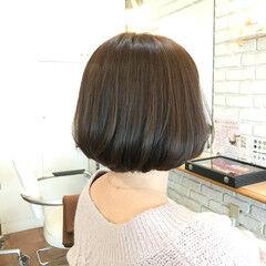 ナチュラル スモーキーカラー ミニボブ 3Dハイライト ヘアスタイルや髪型の写真・画像