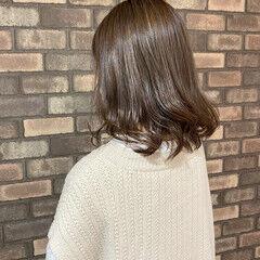 ハイライト ミディアム 極細ハイライト ナチュラル ヘアスタイルや髪型の写真・画像