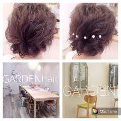 編み込み ルーズ ヘアアレンジ パールアクセ ヘアスタイルや髪型の写真・画像