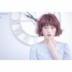 フェミニン バレイヤージュ ボブ ピンク ヘアスタイルや髪型の写真・画像