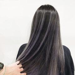 バレイヤージュ エレガント セミロング ホワイトシルバー ヘアスタイルや髪型の写真・画像