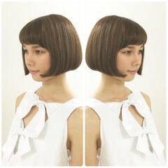 ショートバング ナチュラル ボブ ラインショート ヘアスタイルや髪型の写真・画像