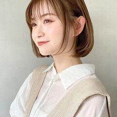 ヘアカット アッシュグラデーション お団子アレンジ ミディアムレイヤー ヘアスタイルや髪型の写真・画像