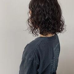 パーマ スパイラルパーマ ボブ カジュアル ヘアスタイルや髪型の写真・画像