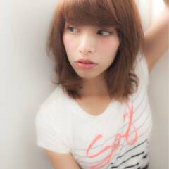 ミディアム ストリート 外国人風 マルサラ ヘアスタイルや髪型の写真・画像