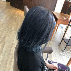 ヘアカラー 切りっぱなしボブ ネイビーブルー 外ハネ ヘアスタイルや髪型の写真・画像