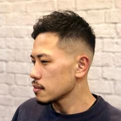 メンズカット 刈り上げ ショート アップバング ヘアスタイルや髪型の写真・画像