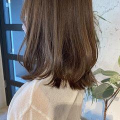 ミントアッシュ レイヤーカット アッシュベージュ オリーブブラウン ヘアスタイルや髪型の写真・画像