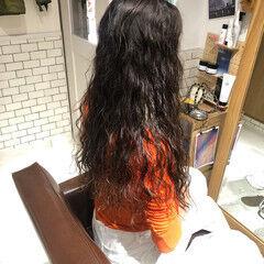 ナチュラル ロング ソバージュ 個性的 ヘアスタイルや髪型の写真・画像