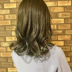 シースルーバング 艶髪 透明感 セミロング ヘアスタイルや髪型の写真・画像
