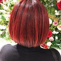 ハイライト レッド ストリート ボブ ヘアスタイルや髪型の写真・画像
