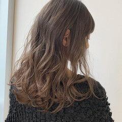 ミルクティーベージュ 地毛風カラー セミロング ナチュラル ヘアスタイルや髪型の写真・画像