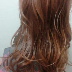 パーマ ピンク ウェーブ 大人かわいい ヘアスタイルや髪型の写真・画像