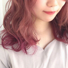 ピンクベージュ 裾カラー グラデーションカラー インナーカラー ヘアスタイルや髪型の写真・画像
