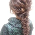 大人女子 ロング 編み込み フィッシュボーン