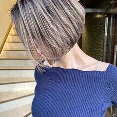 ショート ナチュラル ハイトーンボブ ハイライト ヘアスタイルや髪型の写真・画像