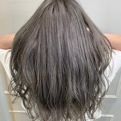 グレージュ ロング ブリーチ 外国人風カラー ヘアスタイルや髪型の写真・画像