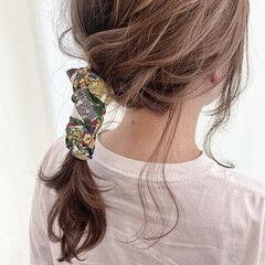 スカーフアレンジ ヘアアレンジ 簡単ヘアアレンジ ナチュラル ヘアスタイルや髪型の写真・画像