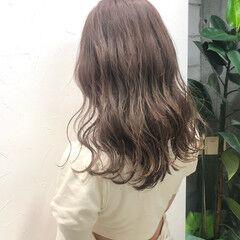 ロング ブラウンベージュ 透け感 ミルクティーブラウン ヘアスタイルや髪型の写真・画像