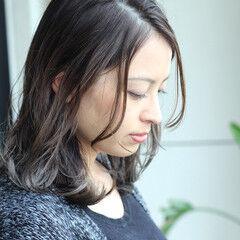 グレージュ 3Dハイライト ミディアム 秋冬スタイル ヘアスタイルや髪型の写真・画像