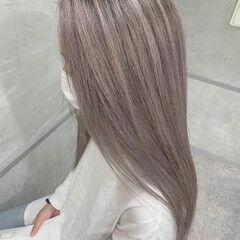 バレイヤージュ ピンクベージュ ハイトーンカラー ロング ヘアスタイルや髪型の写真・画像