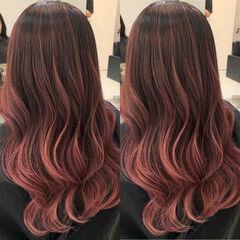 セミロング 外国人風 ピンク ベリーピンク ヘアスタイルや髪型の写真・画像