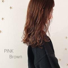 ナチュラル ミディアム ピンクブラウン ヘアスタイルや髪型の写真・画像