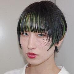 ショート モード ネオンカラー インナーカラー ヘアスタイルや髪型の写真・画像