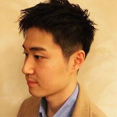 ショート 刈り上げ 黒髪 メンズ ヘアスタイルや髪型の写真・画像