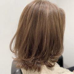 ミディアム 似合わせカット ナチュラル ブランジュ ヘアスタイルや髪型の写真・画像