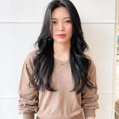 ロング 韓国ヘア クール ブルーブラック ヘアスタイルや髪型の写真・画像