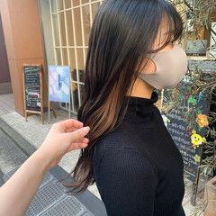インナーカラー ナチュラル ロング イヤリングカラー ヘアスタイルや髪型の写真・画像