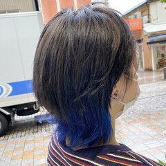 ウルフカット ダブルカラー ショート ブルー ヘアスタイルや髪型の写真・画像