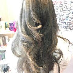 ロング ストリート ダブルカラー アッシュ ヘアスタイルや髪型の写真・画像