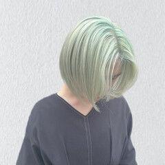グリーン ハイトーンボブ ハイトーンカラー ブリーチカラー ヘアスタイルや髪型の写真・画像