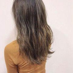 セミロング アッシュ 極細ハイライト ナチュラル ヘアスタイルや髪型の写真・画像