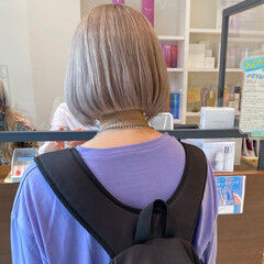 ショートボブ ストリート ミルクティーグレージュ ボブ ヘアスタイルや髪型の写真・画像